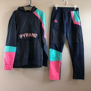 Black pyramid tracksuit (Jacket/Pants)